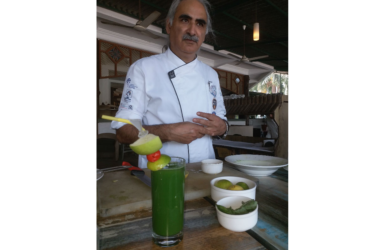 Chef Umesh Mattoo's Recipe: Apple Spinach Lime & Honey Health Drink