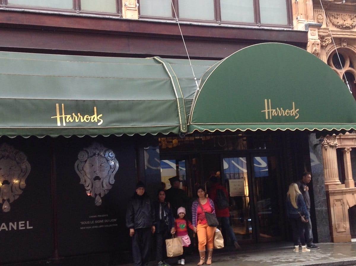 Saloni Rampal with her Family at Harrods